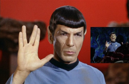 Spock_performing_Vulcan_salute