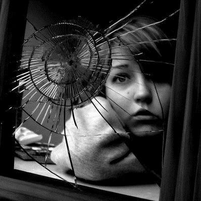 The_Broken_Mirror_RETOO