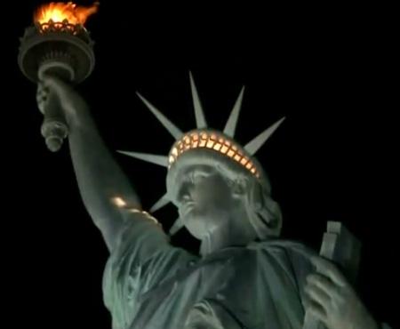 New-York-City-Tours-statue-of-liberty-night